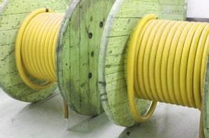 کابل ولتاژ